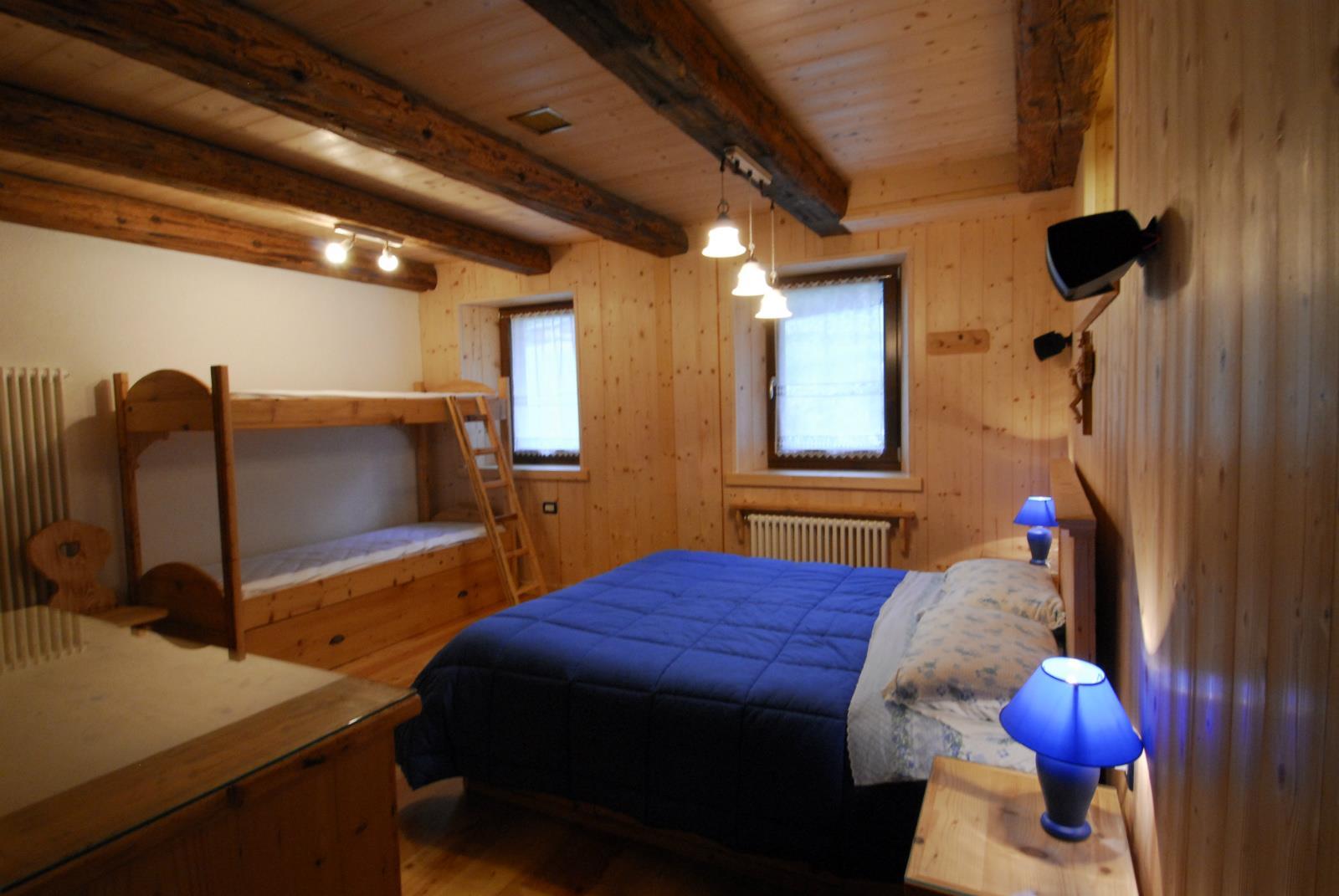 Mobili e complementi d 39 arredo realizzati dalla legnostile for Mobili e complementi d arredo
