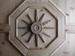 Soffitto con rosone in  legno di abete