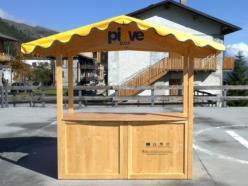 Casetta-bancarella in legno di abete, facile da montare e trasportabile anche in auto
