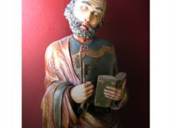 Scultura in legno di cirmolo raffigurante S.Pietro in stile gotico